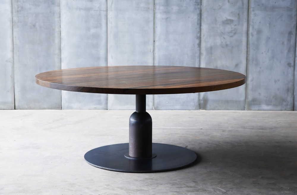 Apollo xxl table made to measure in african walnut by for Table ronde rallonge 8 a 10 personnes