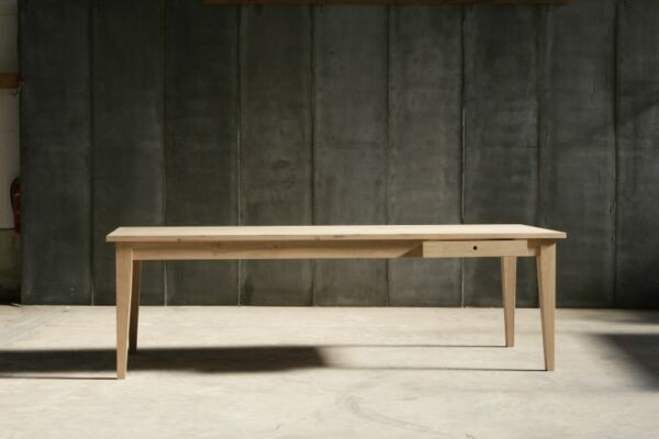 Farmer table in French oak by Heerenhuis
