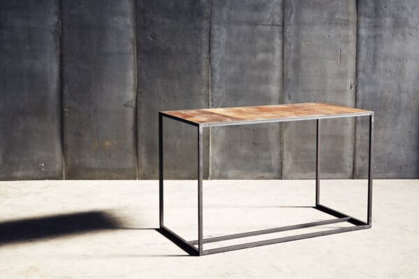 Mesa II Desk in leather by Heerenhuis