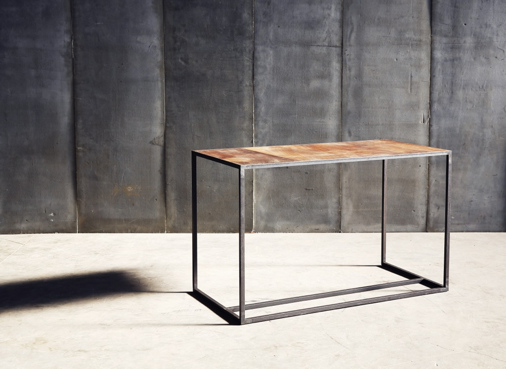 Mesa desk in reclaimed teak by Heerenhuis