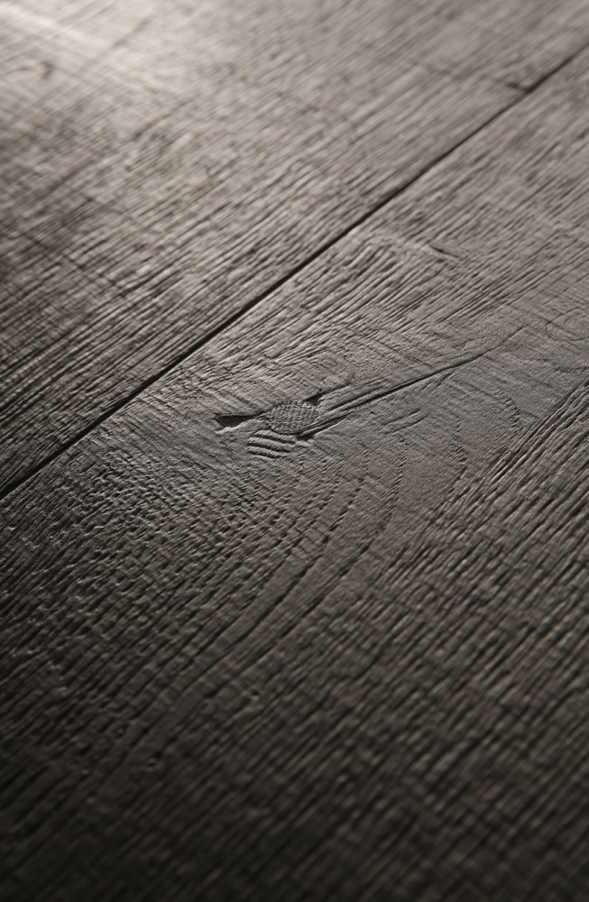 Mesa Nero table – made to measure in distressed French Oak by Heerenhuis