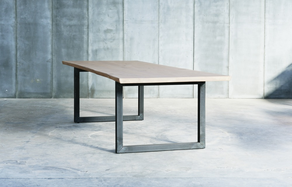 Tube Oak table – made to measure in French oak by Heerenhuis