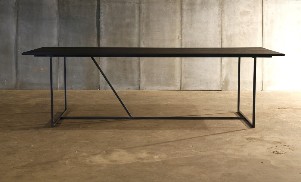 Mesa Nero II table – made to measure in distressed French Oak by Heerenhuis