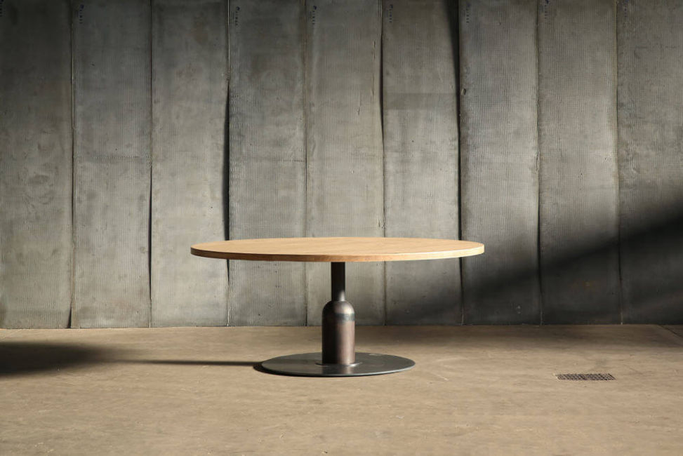 Apollo XXL table – made to measure in French oak by Heerenhuis