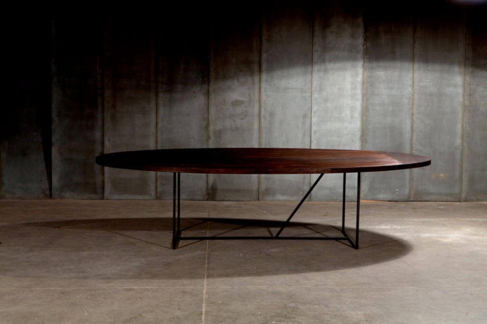 Mesa OV – a table in reclaimed teak by Heerenhuis