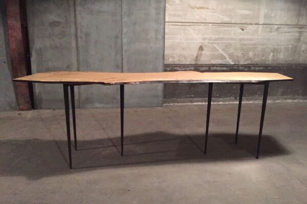 Bisbal console - special 'live-edge' oak edition - one off table by Heerenhuis