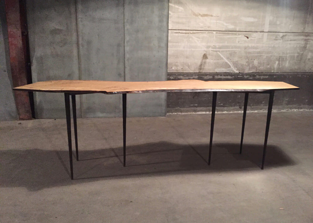 Bisbal console – special 'live-edge' oak edition – one off table by Heerenhuis