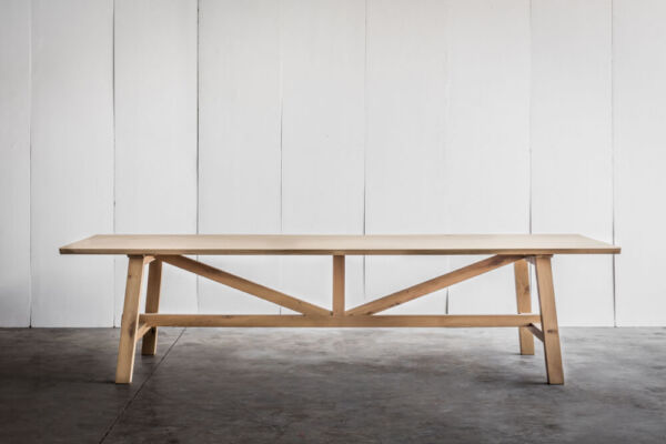Larbus table & bench in solid oak by Heerenhuis
