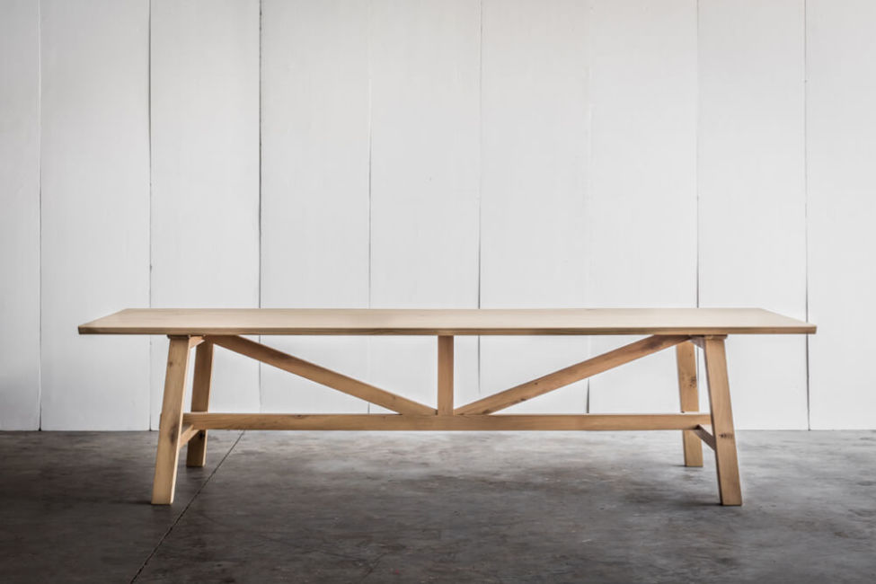 Larbus table in solid oak with live-edge by Heerenhuis
