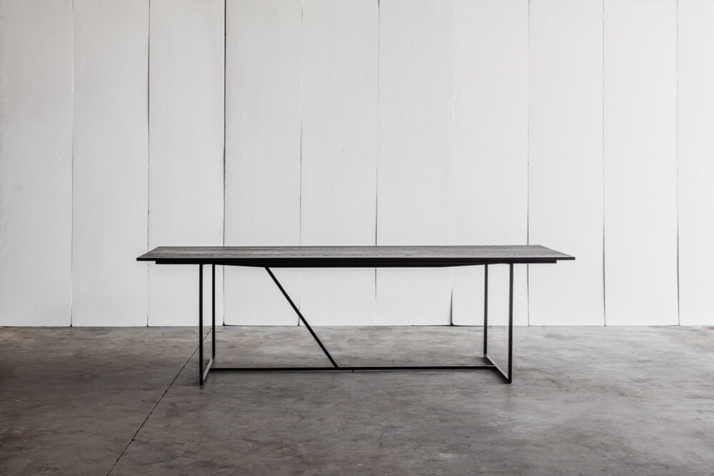 Mesa Nero - a black table in solid oak and metal by Heerenhuis