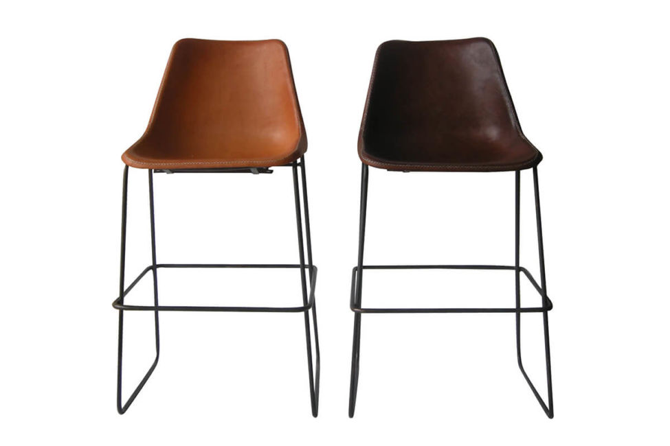 Giron bar stool in natural leather (L) and brown leather (R) by Sol & Luna