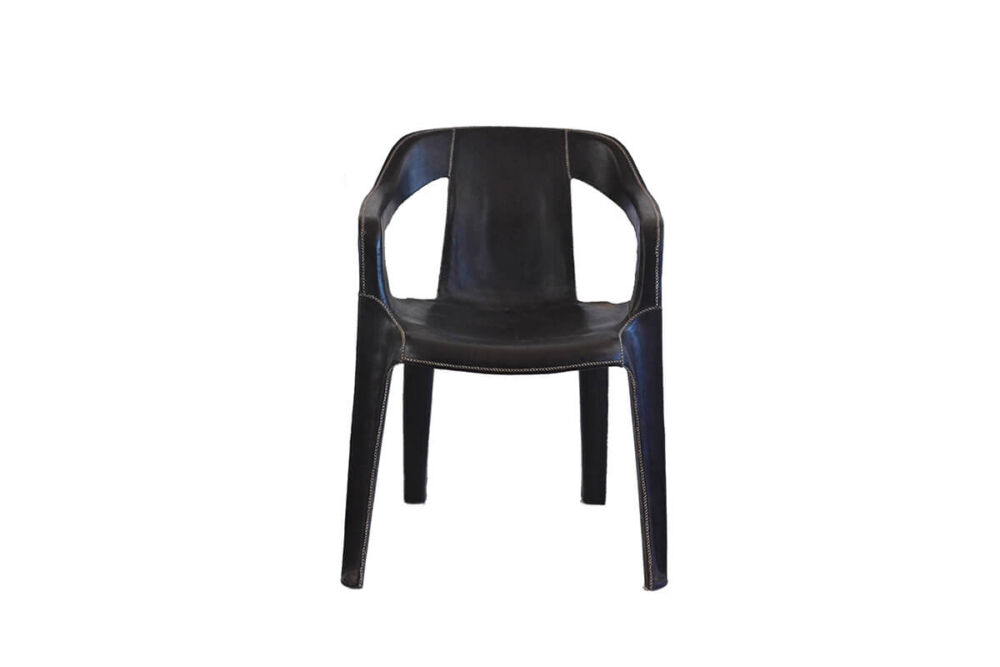 Cheap & Chic armchair in black leather by Sol & Luna