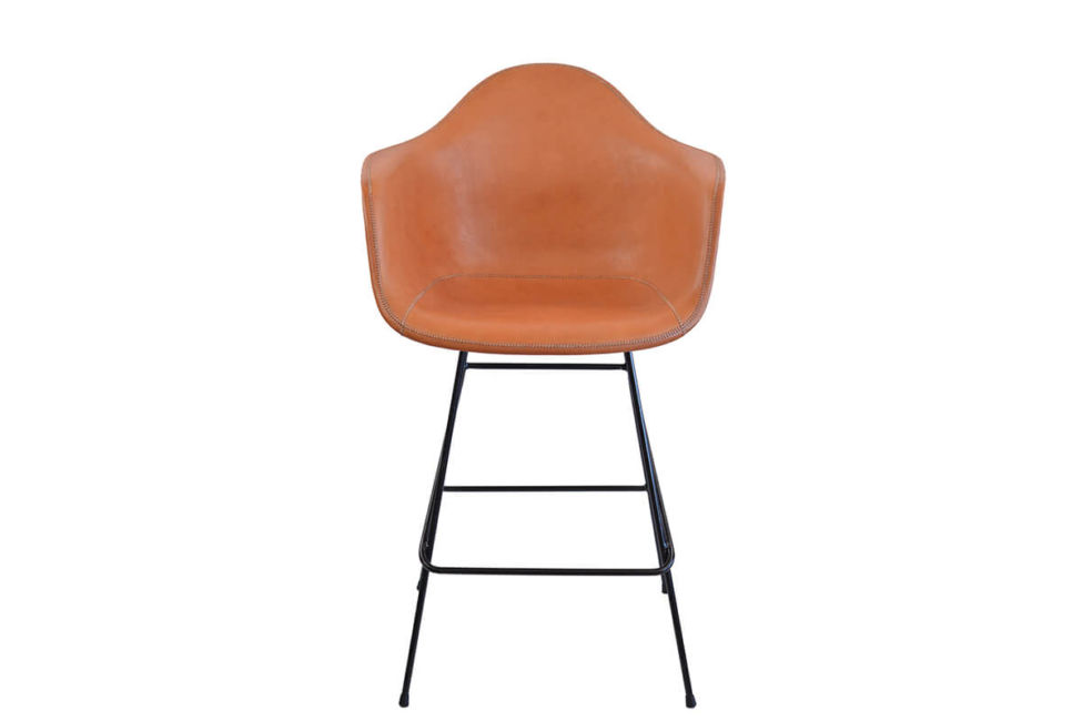 Beto bar stool in natural leather by Sol & Luna
