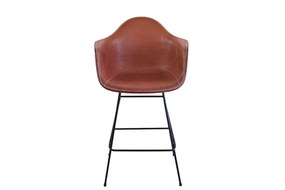 Beto bar stool in brown leather by Sol & Luna