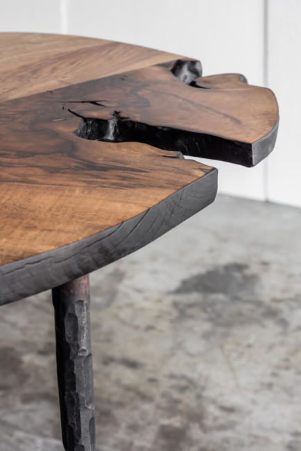 Lars Zech table – made to measure in Italian walnut by Heerenhuis