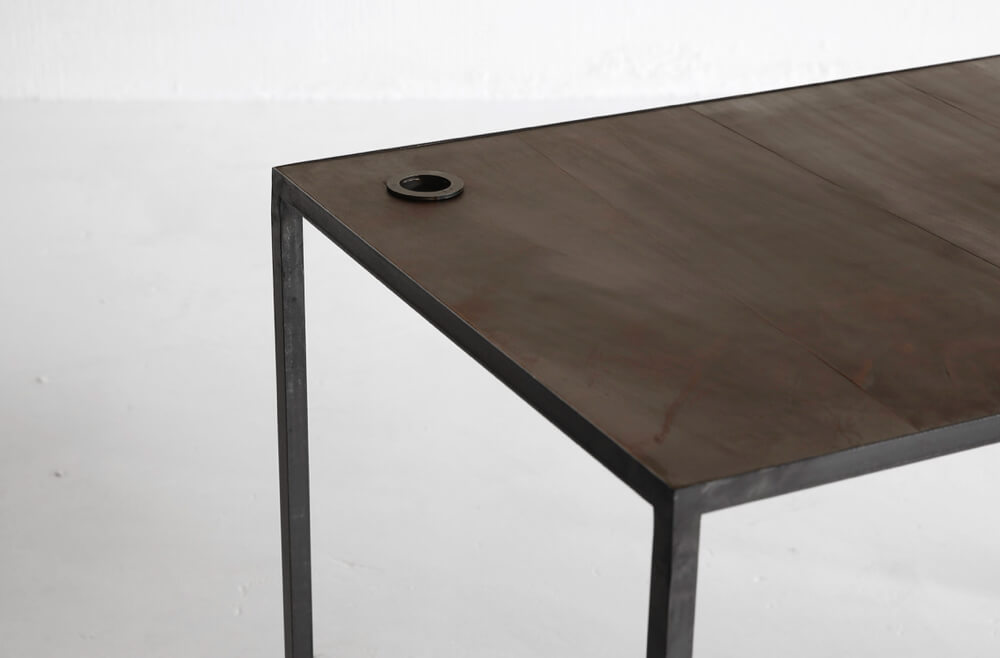 Mesa desk with leather top by Heerenhuis