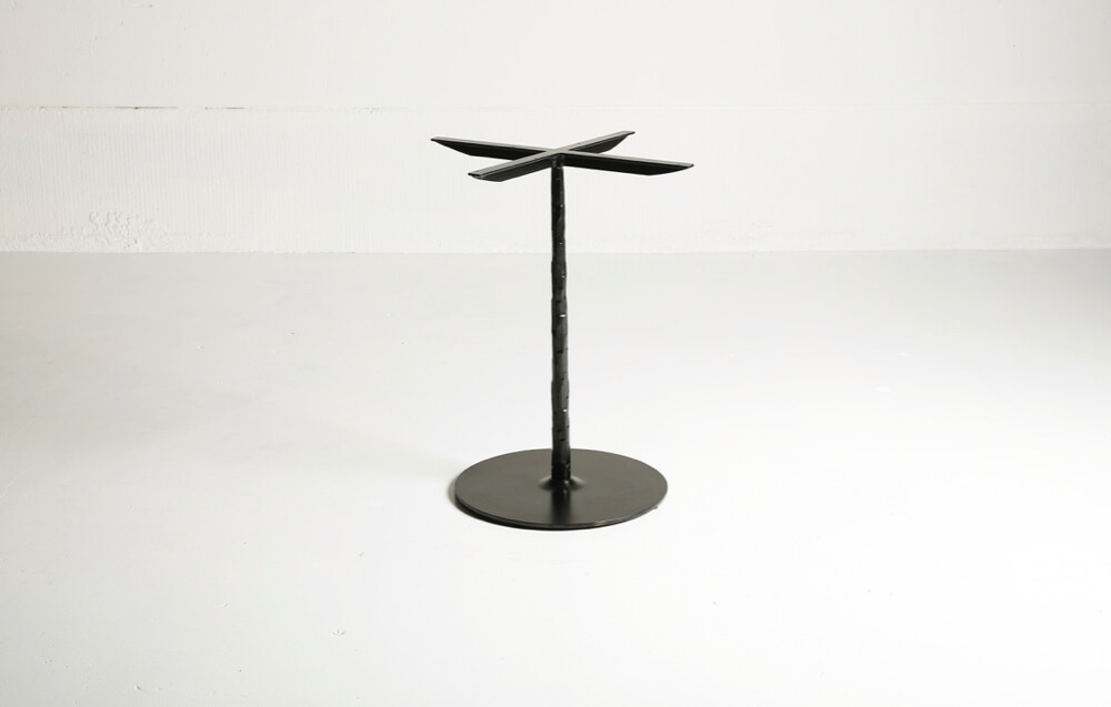 Spike table – made to measure by Heerenhuis