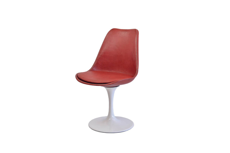 Revolving dining chair in red leather (with white swivel base) by Sol & Luna