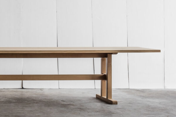 Trappist - a table in solid oak by Heerenhuis