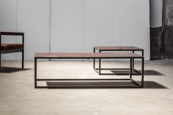 Mesa leather coffee table